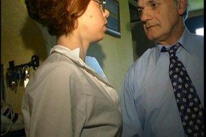 Un vieillard se tape une soubrette et Sarah