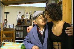 Sabrina est sous le charme du vieil homme
